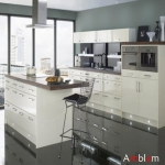 L21_white_lacuqer_kitchen_design